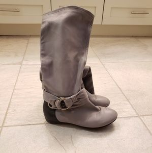 B. Makowsky leather boots